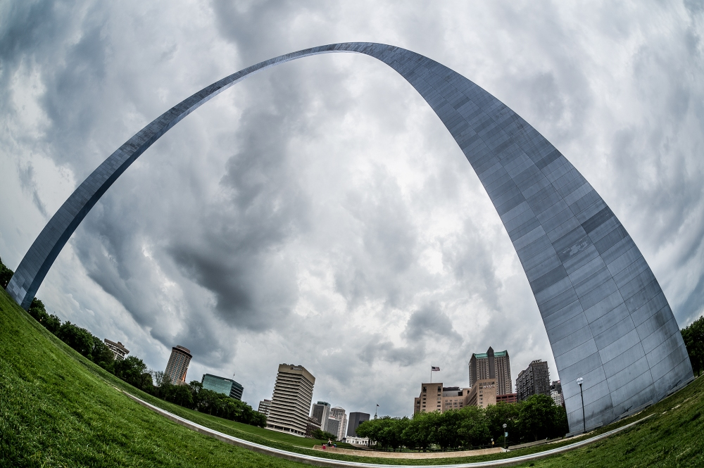 The Gateway Arch in St. Louis photographed from the Mississippi side.