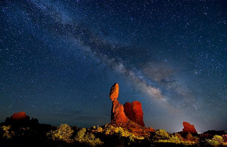 64-Balanced-Universe--Lightpainting-large