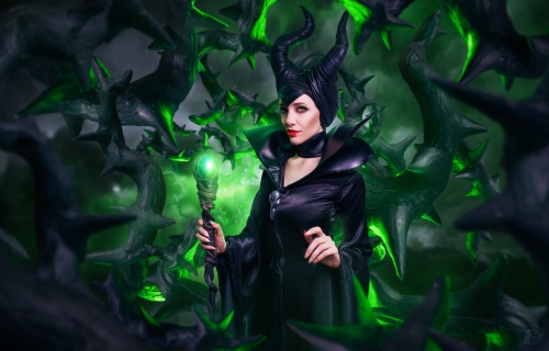 LyzMaleficent_web