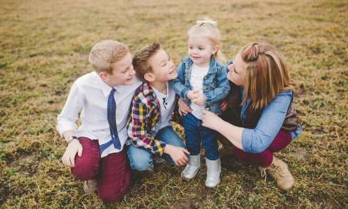 CREATING A WHAT TO WEAR FOR FAMILY PICTURES GUIDE Kylee Ann Photography 09